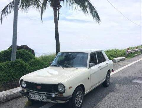 Cần bán gấp Nissan Datsun 1000 sản xuất năm 1969, màu trắng, xe 4 số, chạy 100km/5L
