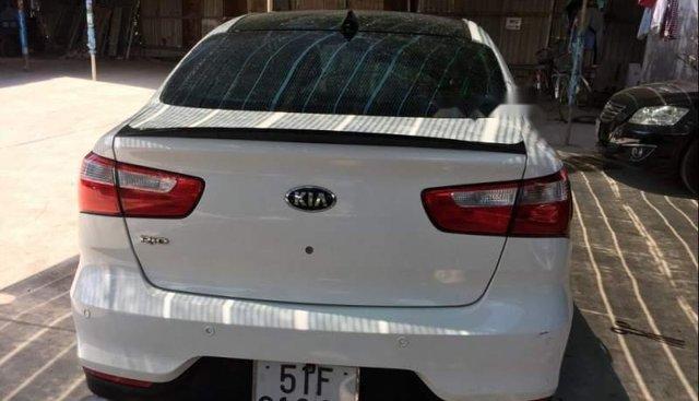 Bán Kia Rio 1.4AT sản xuất năm 2015, màu trắng, xe nhập, giá chỉ 370 triệu
