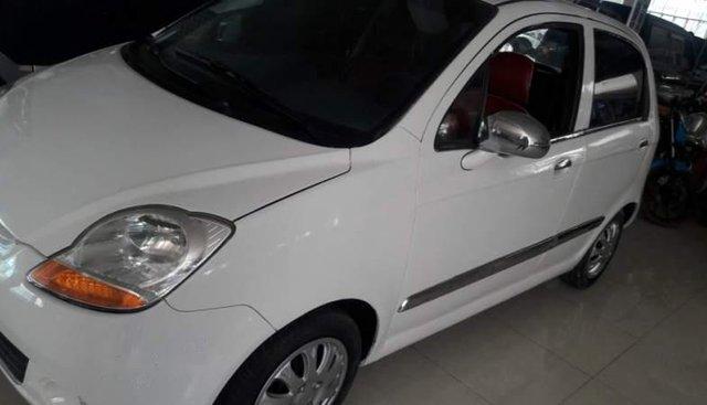 Cần bán lại xe Chevrolet Spark 2009, màu trắng xe gia đình, giá chỉ 130 triệu
