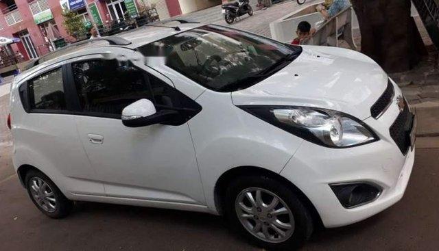 Bán xe Chevrolet Spark đời 2015, màu trắng chính chủ
