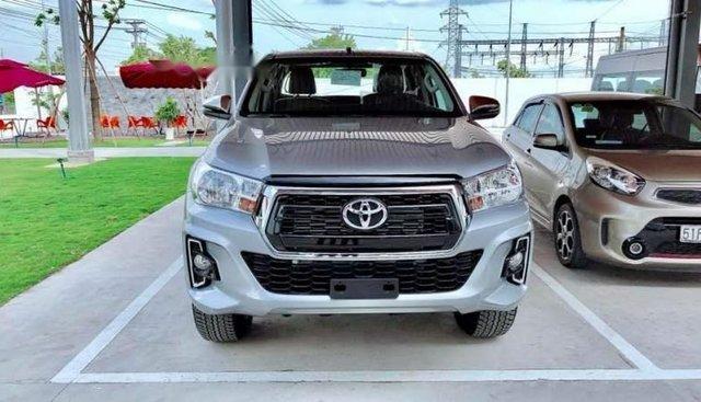 Bán Toyota Hilux năm sản xuất 2018, màu xám, xe nhập, 695 triệu