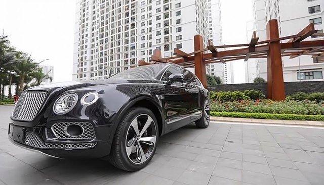 Cần bán Bentley Bentayga năm 2016, màu đen, nhập khẩu, xe đẹp