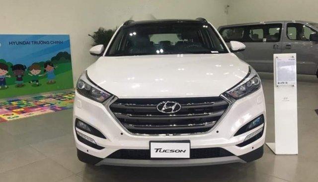 Bán Hyundai Tucson 1.6Turbo đời 2019, màu trắng, giá chỉ 892 triệu
