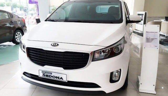 Cần bán xe Kia Sedona DATH đời 2018, màu trắng