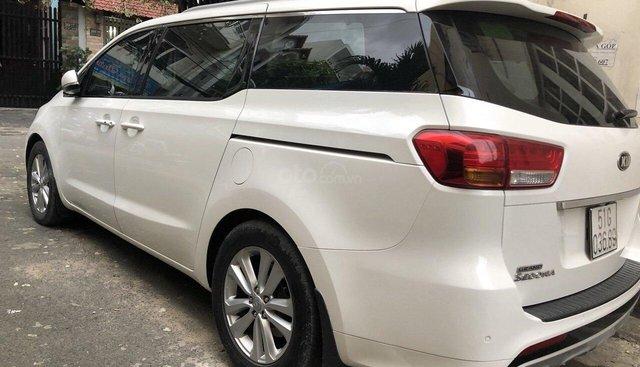 Bán xe Kia Sedona 3.3 đời 2016, màu trắng xe nhập