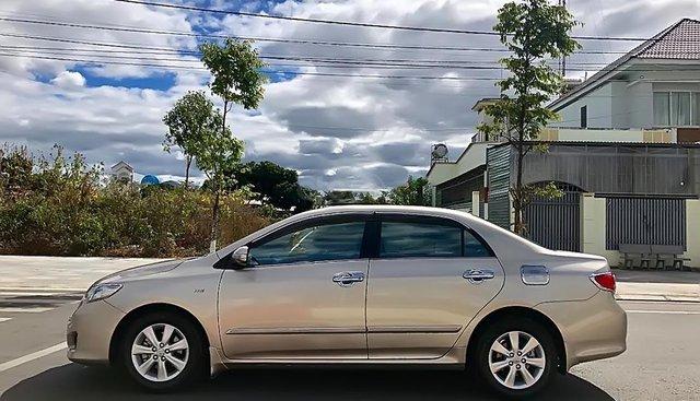 Cần bán Toyota Corolla altis năm sản xuất 2010, màu vàng