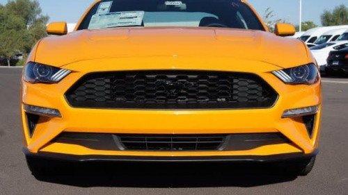 Bán Ford Mustang 2.3 AT sản xuất 2019, màu vàng