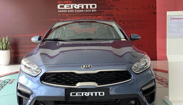 Cần bán xe Kia Cerato AT đời 2019, màu xanh lam, 170 triệu nhận ngay xe
