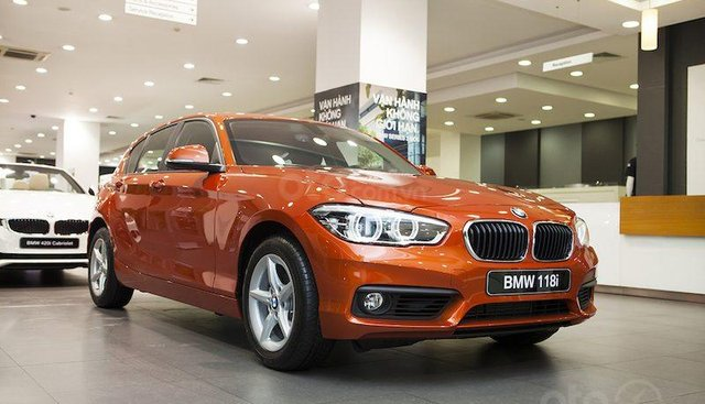 BMW 118i 2019, phiếu quà tặng trị giá 50 triệu, xe giao ngay