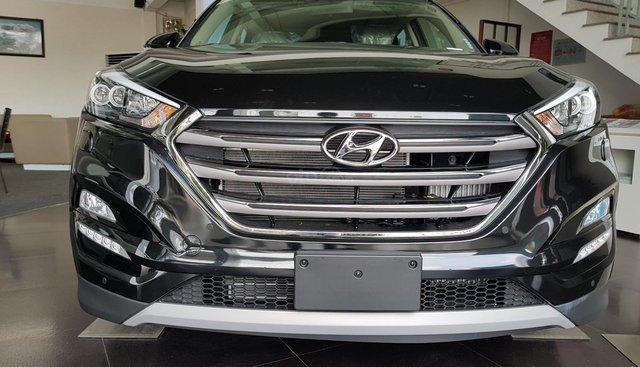 Bán xe Tucson 2.0AT 2019 máy dầu, màu đen, xe giao ngay, KM hấp dẫn