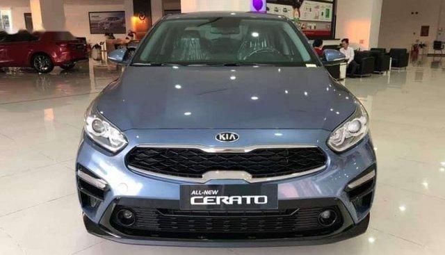 Bán Kia Cerato đời 2019, màu xanh lam, nhập khẩu