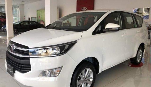 Bán Toyota Innova đời 2019, màu trắng