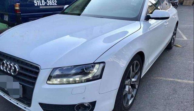 Bán Audi A5 sản xuất 2011, màu trắng, đăng ký tháng 12/2012