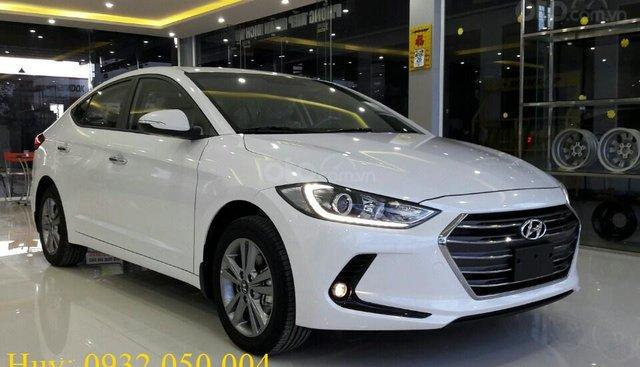 Bán Hyundai Elantra - Trúng ngay Vespa - Giá cực sốc