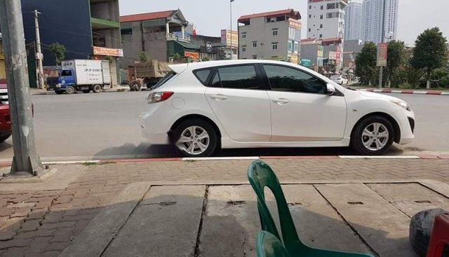 Bán Mazda 3 năm 2010, màu trắng, nhập khẩu, giá 415tr
