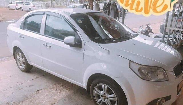 Bán xe cũ Chevrolet Aveo năm 2014, màu trắng