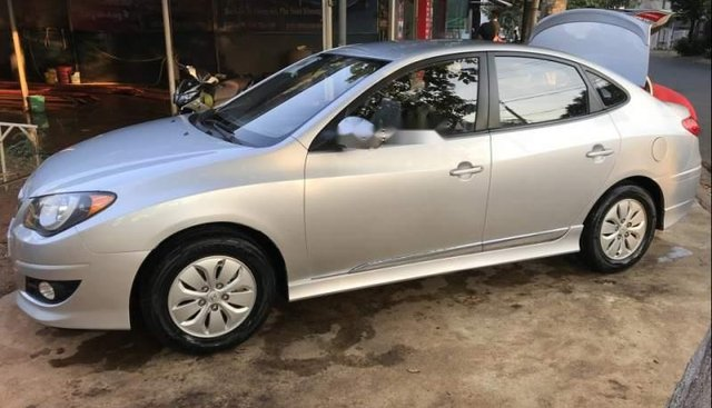 Bán Hyundai Avante đời 2015, màu bạc, giá chỉ 379 triệu