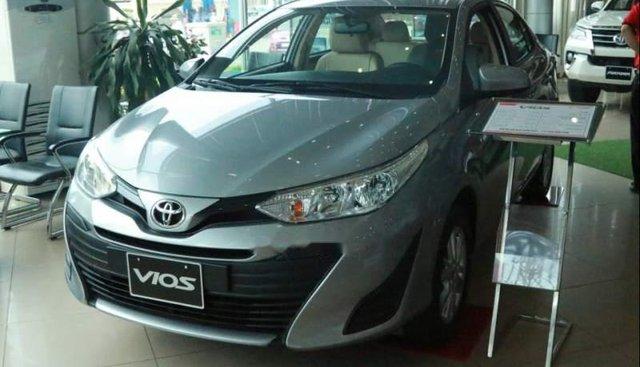 Bán Toyota Vios E MT đời 2019, màu bạc, giá tốt