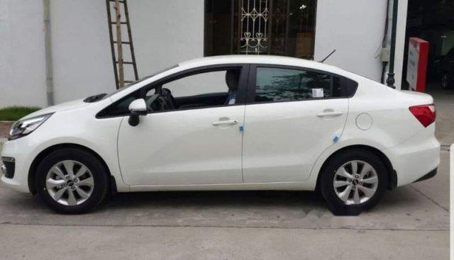 Bán Kia Rio 2016, màu trắng, xe nhập, 400tr