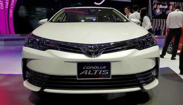 Bán Toyota Corolla Altis 1.8 G CVT 2019 - 751 triệu và gói quà tặng theo xe - Liên hệ 0902750051