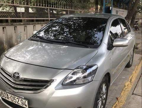 Cần bán xe Toyota Vios đời 2012, màu bạc