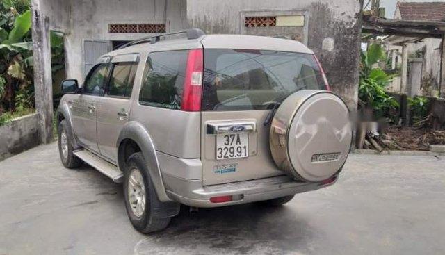 Cần bán gấp Ford Everest sản xuất năm 2009