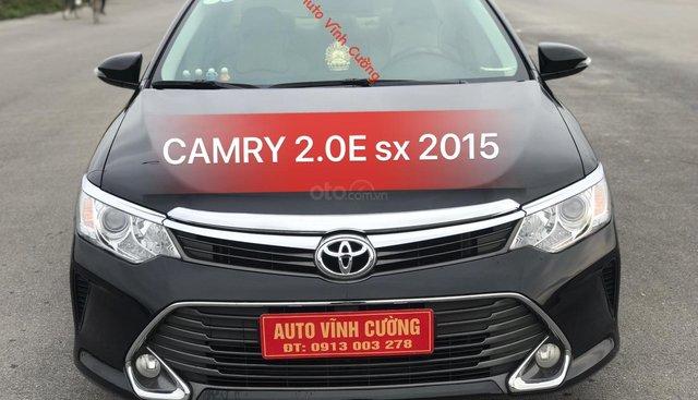 Bán Toyota Camry 2.0E đời 2015, màu đen