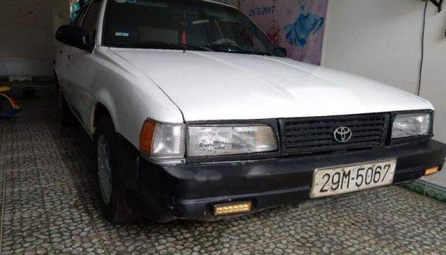 Bán Toyota Camry đời 1983, màu trắng, nhập khẩu