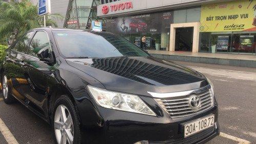 Bán Toyota Camry AT năm 2014, màu đen, xe nhập