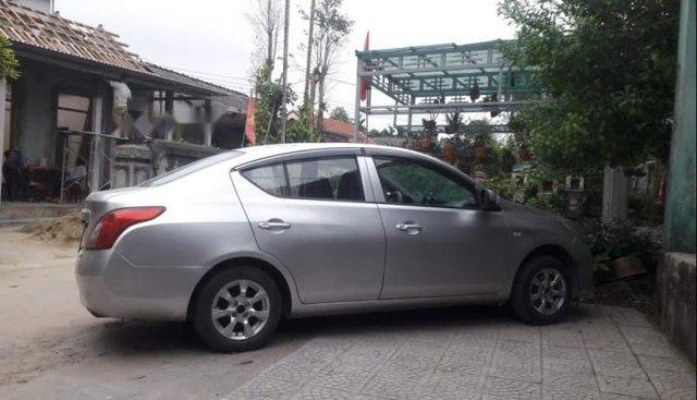 Cần bán gấp Nissan Sunny đời 2013, màu bạc, xe đẹp