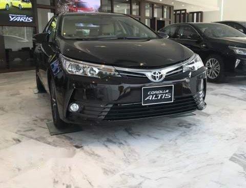 Cần bán xe Toyota Corolla altis năm sản xuất 2019, màu đen