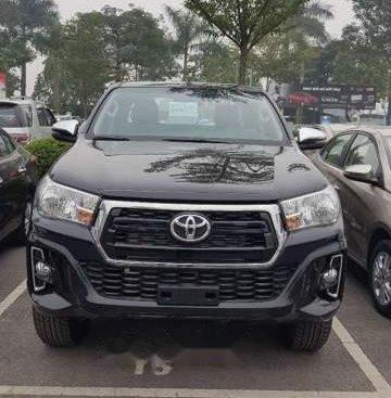 Cần bán Toyota Hilux sản xuất năm 2019, màu đen, nhập khẩu nguyên chiếc