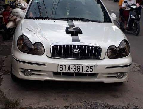 Bán lại xe Hyundai Sonata đời 2009, màu trắng, xe nhập