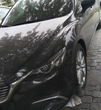 Cần bán gấp Mazda 6 2017, màu đen, giá chỉ 730 triệu