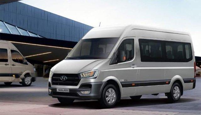 Bán ô tô Hyundai Solati năm 2018, màu bạc, nhập khẩu