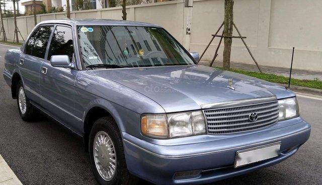 Xe Toyota Crown 2.4 MT năm 1994, màu xanh lam, nhập khẩu