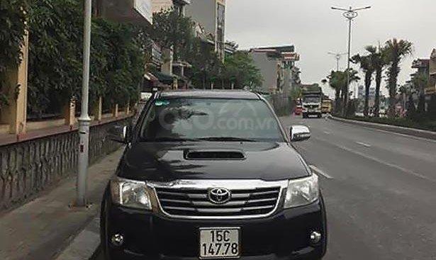 Bán xe Toyota Hilux 3.0 2 cầu, sản xuất 2015, xe sử dụng 6 vạn, nguyên bản từng chi tiết