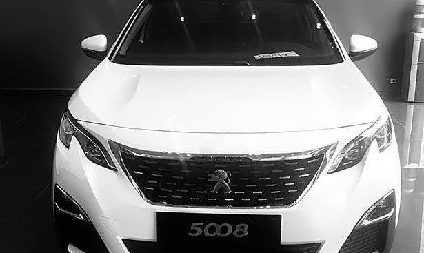 Bán xe Peugeot 5008 1.6 AT năm 2019, màu trắng, mới 100%