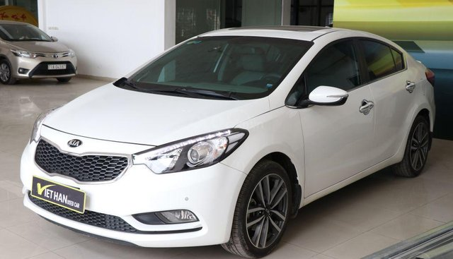 Bán ô tô Kia K3 2.0 đời 2016, màu trắng, giá chỉ 576 triệu