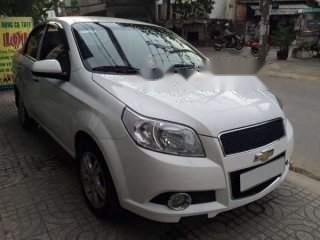 Bán Chevrolet Aveo năm sản xuất 2014, màu trắng