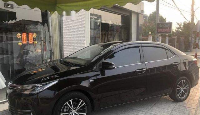Cần bán Toyota Corolla altis 2.0V năm sản xuất 2017, màu đen