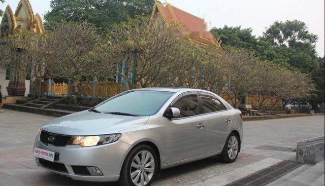 Cần bán Kia Forte Sli 2010, màu bạc, xe nhập