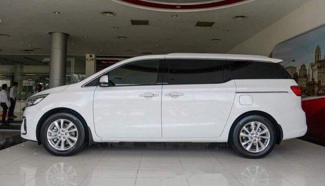 Bán Kia Sedona 2019, màu trắng, nhập khẩu