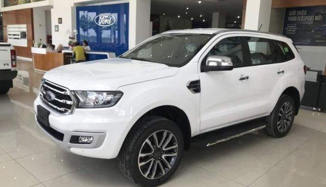 Bán xe Ford Everest đời 2018, màu trắng, nhập khẩu nguyên chiếc