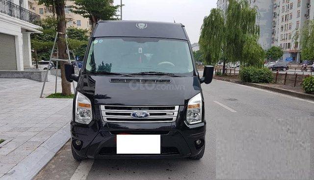 Ford Transit Dcar Limousine 10 chỗ, màu đen sản xuất 2018 chạy lướt