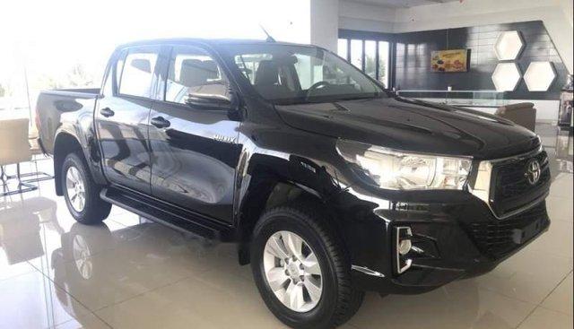 Bán xe Toyota Hilux đời 2018, màu đen, nhập khẩu nguyên chiếc Thái Lan