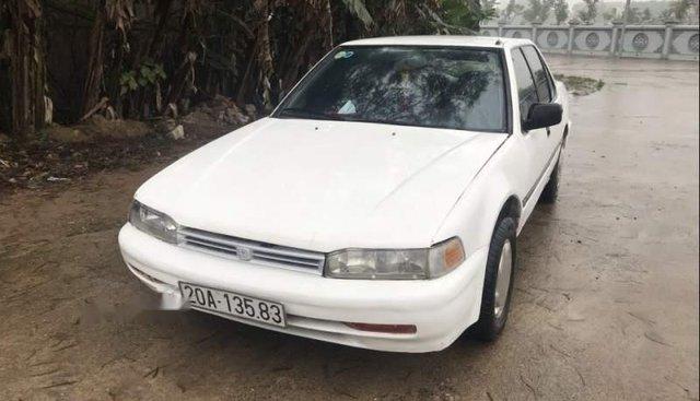 Cần bán Honda Accord sản xuất năm 1989, màu trắng, xe nhập, giá tốt