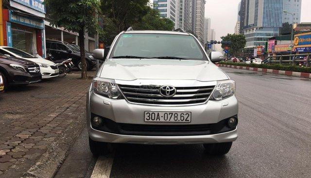 Bán Toyota Fortuner V Sx 2013 AT 2 cầu, biển Hà Nội, máy xăng