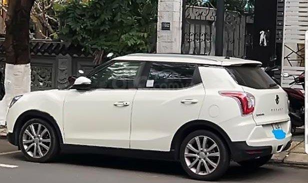 Chính chủ bán Ssangyong TiVoLi sản xuất 2016, màu trắng, nhập khẩu