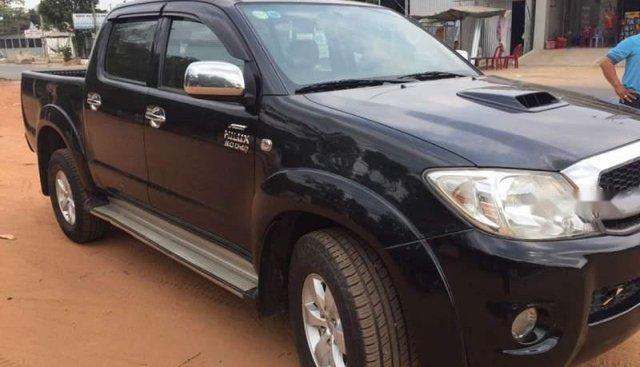 Cần bán lại xe Toyota Hilux sản xuất năm 2010, nhập khẩu